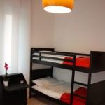 camera arancio 6